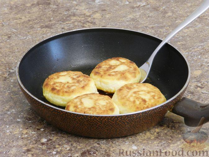 Фото приготовления рецепта: Сырники с тыквой - шаг №7