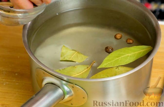 Фото приготовления рецепта: Маринованная капуста быстрого приготовления - шаг №6