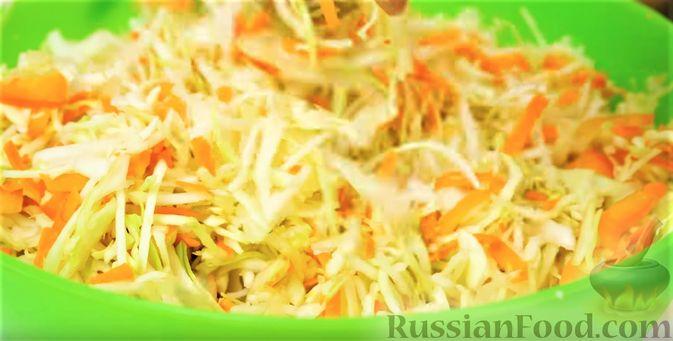 Фото приготовления рецепта: Маринованная капуста быстрого приготовления - шаг №5