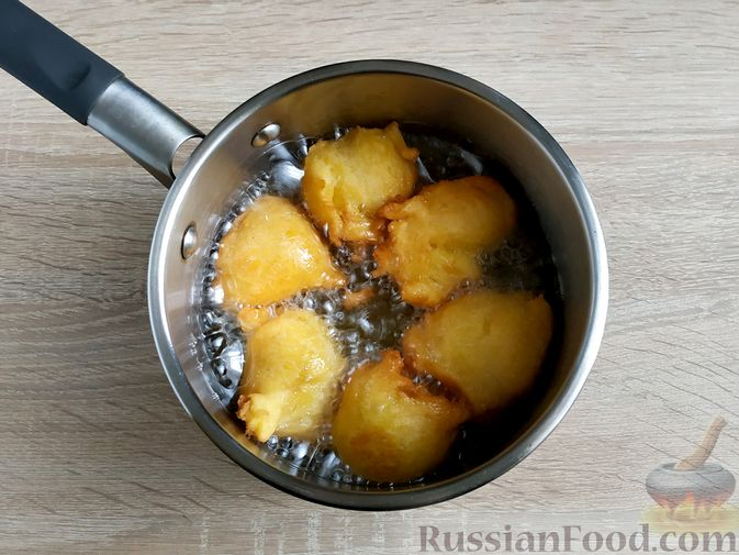 Фото приготовления рецепта: Пончики из тыквы - шаг №14