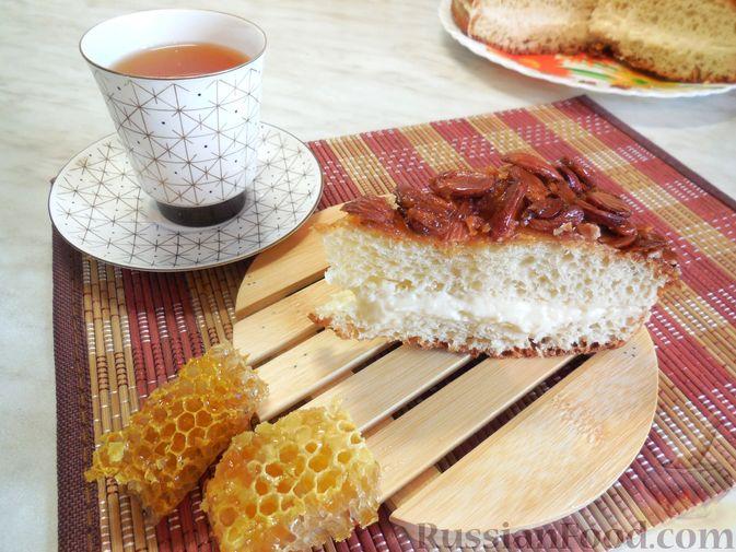 Фото приготовления рецепта: Говяжья печень, тушенная в яблочно-сметанном соусе - шаг №13