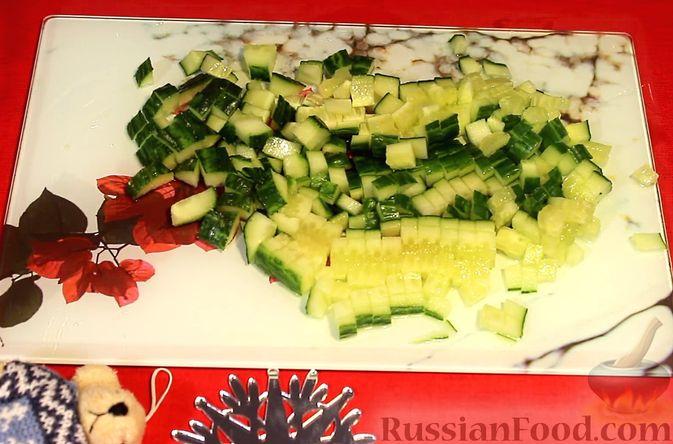Фото приготовления рецепта: Закуска из лосося и авокадо - шаг №3
