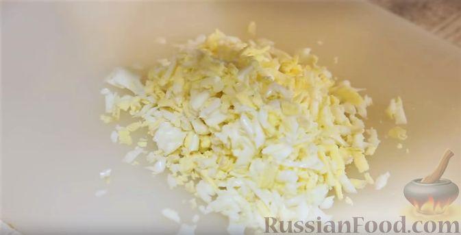 Фото приготовления рецепта: Толстые дрожжевые блины на молоке, манке и пшённой каше - шаг №16