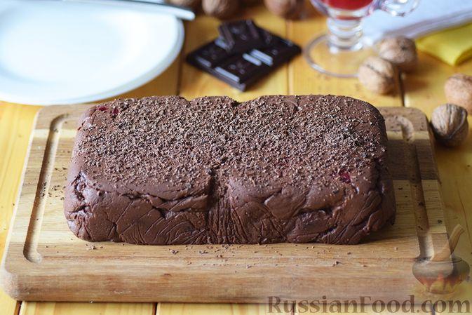 Фото приготовления рецепта: Шоколадная помадка с вишней и миндалем - шаг №14