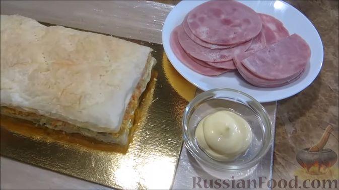 """Фото приготовления рецепта: Мясной закусочный """"Наполеон"""" - шаг №12"""