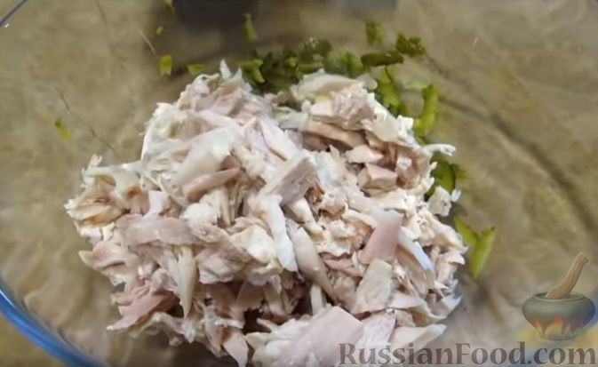 """Фото приготовления рецепта: Мясной закусочный """"Наполеон"""" - шаг №6"""