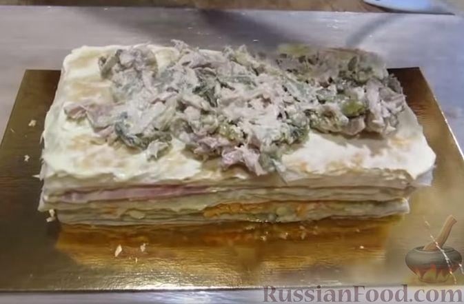 """Фото приготовления рецепта: Мясной закусочный """"Наполеон"""" - шаг №15"""
