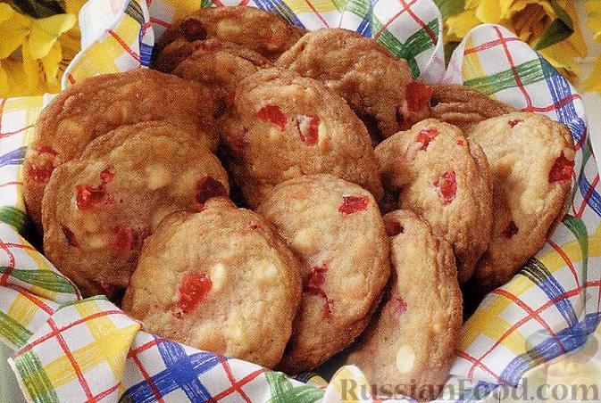 песочное печенье с белым шоколадом и вишней