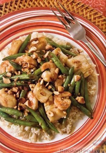 Рецепт Креветки и гребешки с орехами кешью