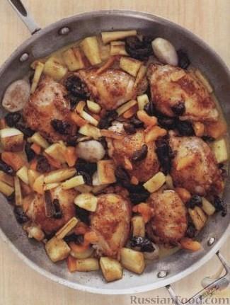 Рецепт Курица с пастернаком и сухофруктами