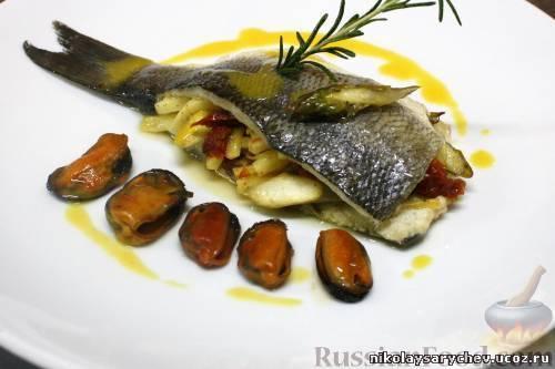 Рецепт Морской волк фаршированный овощами с мидиями и шафрановым маслом