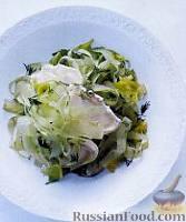 Фото к рецепту: Салат из сельдерея и козьего сыра