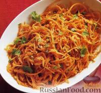 Фото к рецепту: Салат из свежей моркови с кинзой