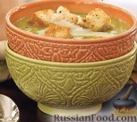 Фото к рецепту: Гороховый суп-пюре с пармезаном и гренками