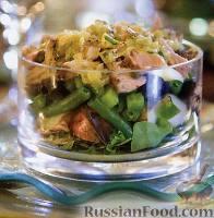 Фото к рецепту: Слоеный салат «Нисуаз» с тунцом