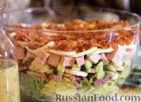 Фото к рецепту: Слоеный салат «Кобб»