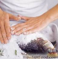 Фото приготовления рецепта: Рыба, запеченная в соли - шаг №2
