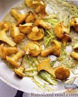 Фото приготовления рецепта: Картофельное «рёшти» с грибами - шаг №3