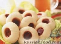 Фото к рецепту: Сливочное печенье с клубничным джемом
