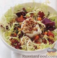 Фото к рецепту: Салат с печеной свеклой, чечевицей и козьим сыром