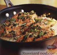 Фото к рецепту: Курица в соусе с розмарином