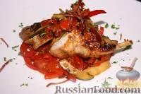 Фото к рецепту: Кролик с болгарским перцем и панчеттой
