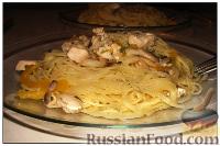 Фото к рецепту: Спагетти с курицей и ананасами