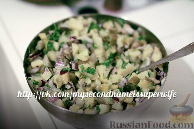 Простой салат заправленный растительным маслом