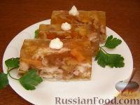 Фото к рецепту: Холодец из свиных ножек