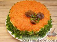 """Фото к рецепту: Салат с курицей """"Грибная полянка"""""""