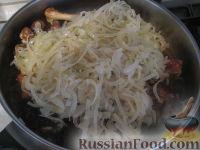 """Фото приготовления рецепта: Армянское блюдо """"Хохо"""" (гусь тушеный с гранатом) - шаг №4"""