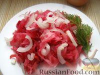 Фото к рецепту: Квашеная капуста со свеклой