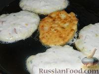 Фото приготовления рецепта: Сырники по-новому - шаг №12