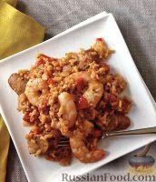Фото к рецепту: Рис с креветками, домашней колбасой и овощами