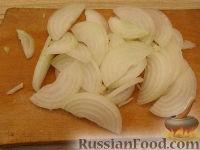 Фото приготовления рецепта: Салат из курицы с шампиньонами и сыром - шаг №5