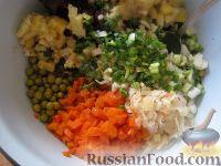 Фото приготовления рецепта: Винегрет с кислой капустой - шаг №8