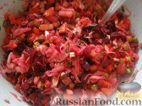Фото приготовления рецепта: Винегрет с кислой капустой - шаг №9