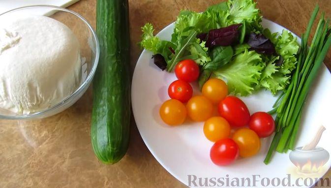 Фото приготовления рецепта: Мясной закусочный торт с грибами и маринованными огурцами - шаг №15