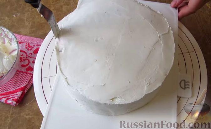 Фото приготовления рецепта: Мясной закусочный торт с грибами и маринованными огурцами - шаг №16