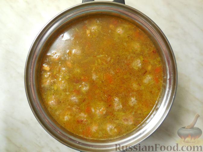 Фото приготовления рецепта: Полосатый салат с сельдью и свёклой - шаг №9