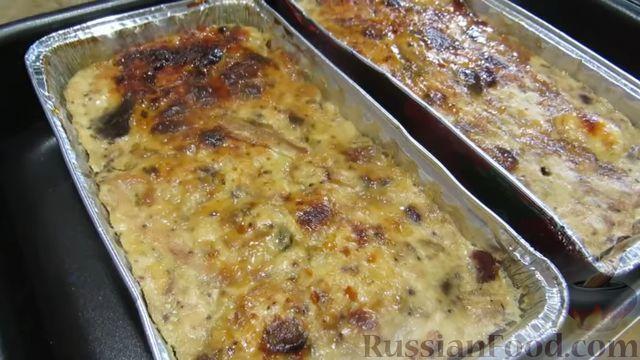 Фото приготовления рецепта: Куриный террин с клюквой и сыром - шаг №13