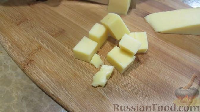 Фото приготовления рецепта: Куриный террин с клюквой и сыром - шаг №8