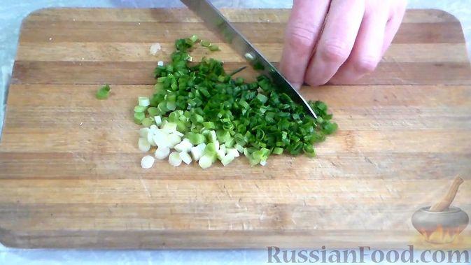 Фото приготовления рецепта: Десерт из манной крупы с имбирём и лимоном - шаг №1