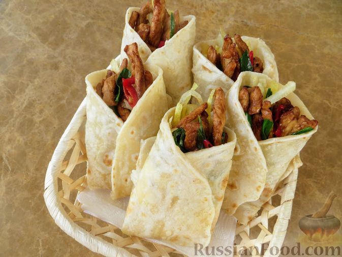 Фото приготовления рецепта: Рис с овощами, в сковороде - шаг №8