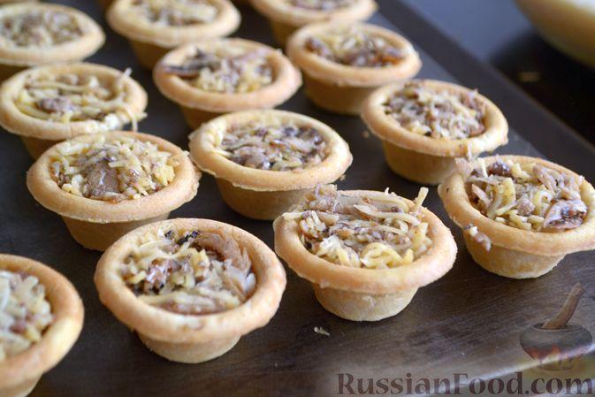 Фото приготовления рецепта: Овсяные батончики с сухофруктами, цукатами и орехами - шаг №2