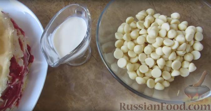Фото приготовления рецепта: Блинный торт с клубникой и творогом - шаг №14