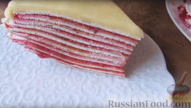 Фото приготовления рецепта: Блинный торт с клубникой и творогом - шаг №18