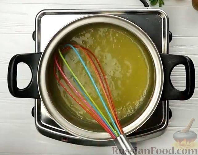 Фото приготовления рецепта: Апельсиновый кекс под сладким соусом - шаг №10