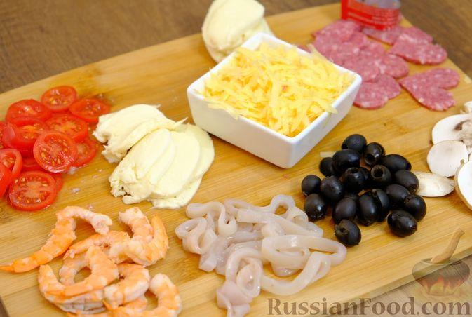 Фото приготовления рецепта: Гороховый суп с копчёной грудинкой и курицей - шаг №3