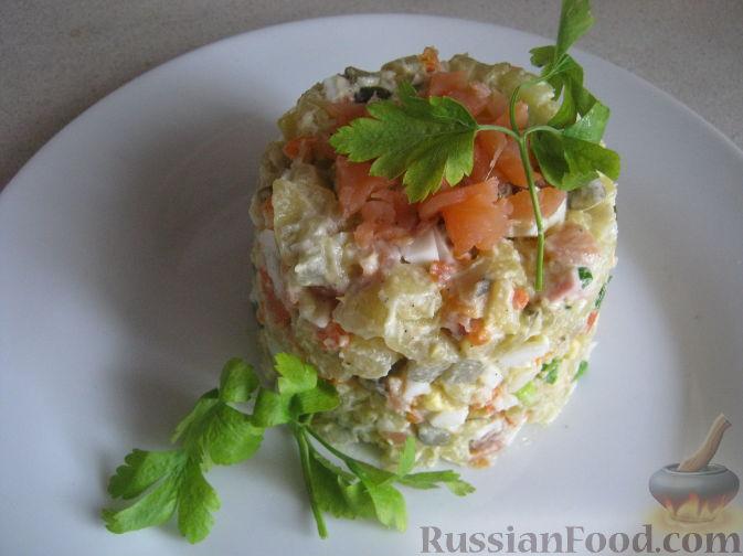 Салат с семгой и кальмарами рецепт